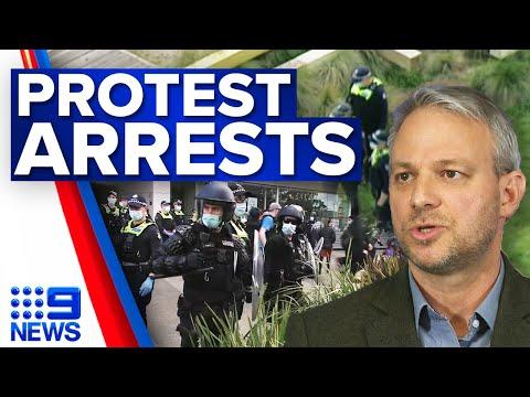 Police arrest anti-vax protestors in Melbourne | Coronavirus | 9 News Australia